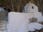Kostelík s pramenem Zoodochos Pigi - ostrov Santorini foto 10